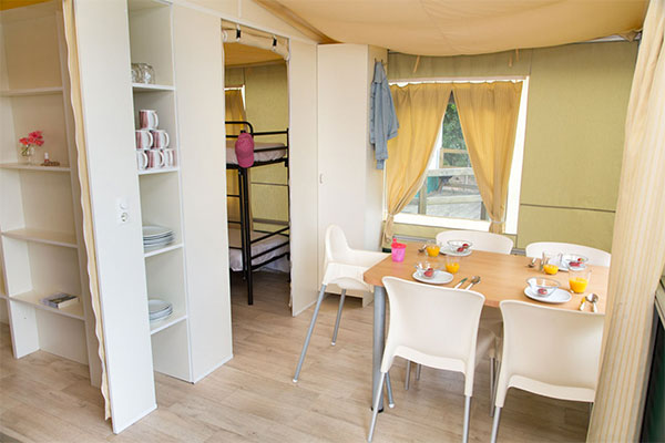 Lodgetent 5/6 persons 2 Bedrooms Bathroom